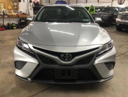 2018 Toyota Camry SE 4dr Sedan 3,021 KM