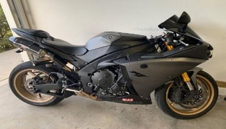 Urgent sale 2014 Yamaha R1 for sale