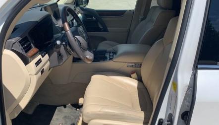2016 Lexus LX 570 AWD 4dr SUV whatsapp+971588043974