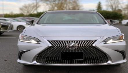 Lexus ES 350 silver 2019 gulf specs