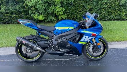 2016  Suzuki gsx r750cc available for sale whatsapp 0971557337543